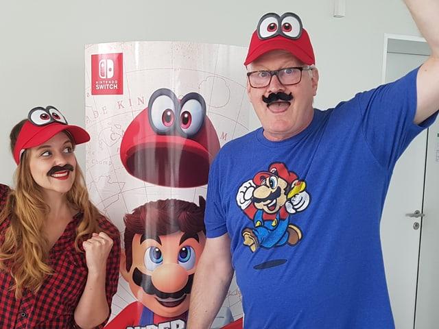 Unsere Moderatorin gefällt super Mario offensichtlich.