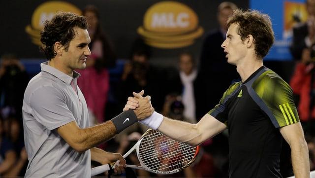 Bei den Australian Open 2013 musste Roger Federer Andy Murray im Halbfinal zum Sieg gratulieren.