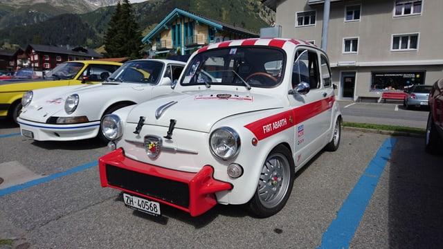 Impressiuns da l'exposiziun d'autos da rallye a Sedrun.