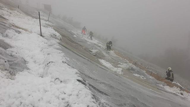 Einzug des Winters - In den Alpen herrscht Schneechaos
