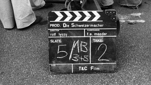 Schwarzweisse Filmklappe