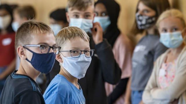 Luzerner Kantischüler arrangieren sich mit der Maske