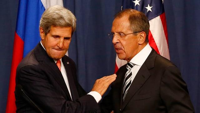 US-Aussenminister Kerry und sein russischer Amtskollege Lawrow vor den den Medien.