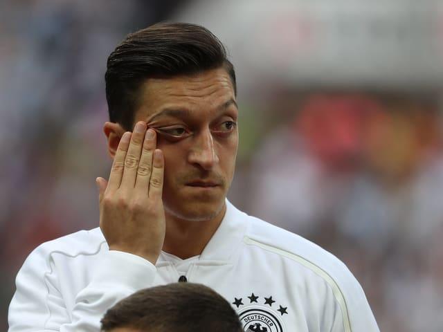 DFB-Coach Jogi Löw baute auf den umstrittenen Mesut Özil.
