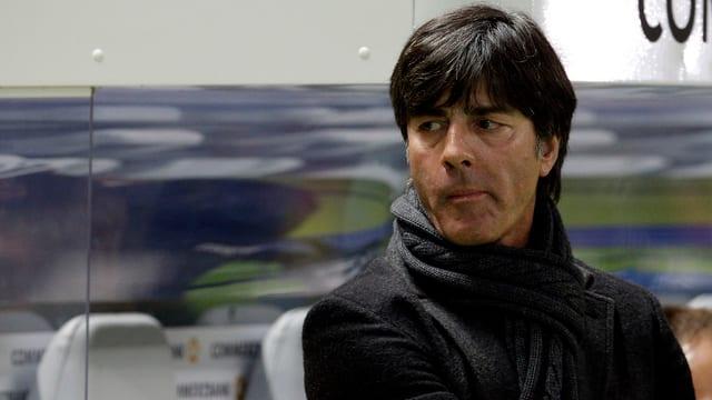 Deutschlands Bundestrainer Jogi Löw mit mürrischem Blick