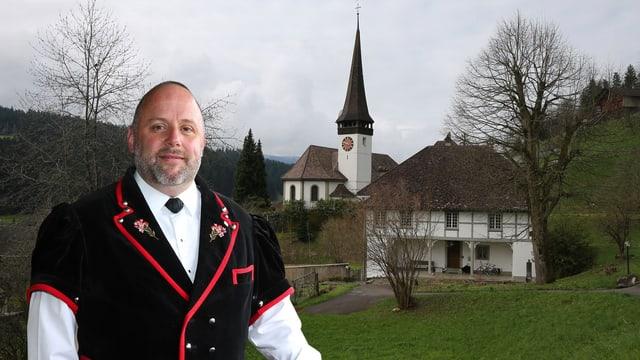 Haldemann vor Kirche.