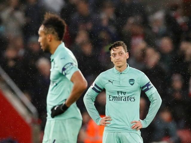 Pierre-Emerick Aubameyang und Mesut Özil