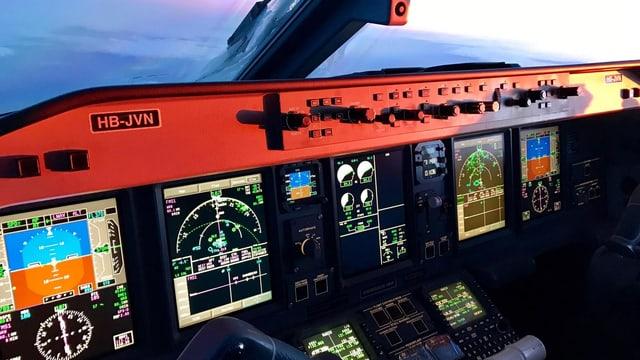 vesta en il cockpit d'in aviun.