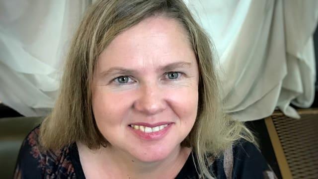 Porträt von Barbara Seiler.