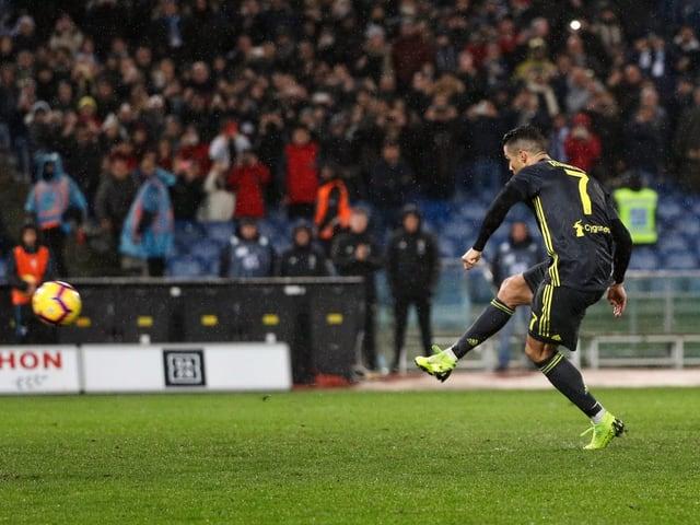 Ronaldo versenkt den Penalty in der 88. Minute zum 2:1 für Juventus.