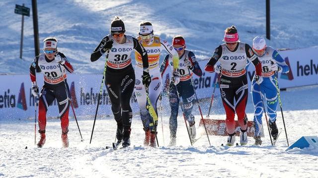 6 Läuferinnen sprinten im Final.