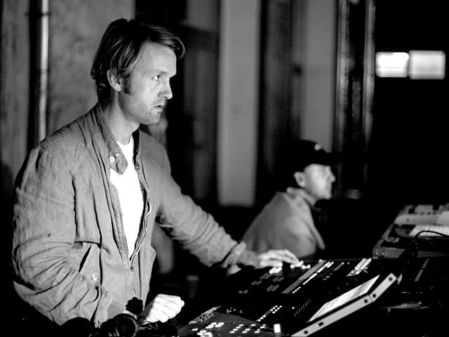Gabriel Prokofiev bei einem Auftritt als DJ in Moskau.