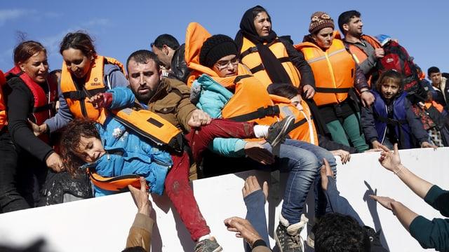 Flüchtlinge auf Boot