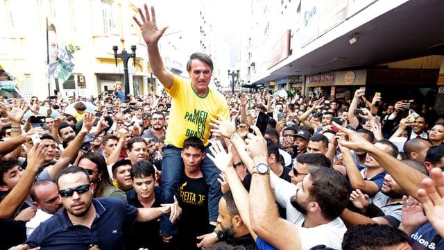 Bolsonaro und Anhänger.