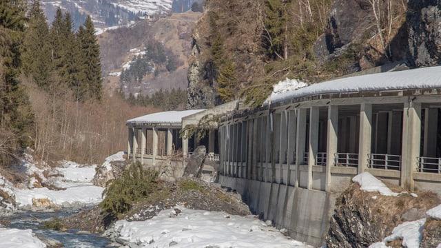 Var 800 meters cubic material èn crudads sin la gallaria.
