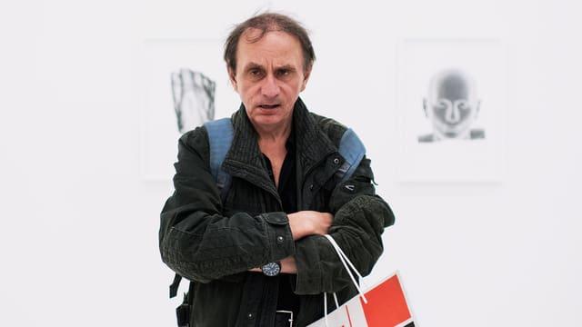Ein Porträt von Michel Houellebecq.