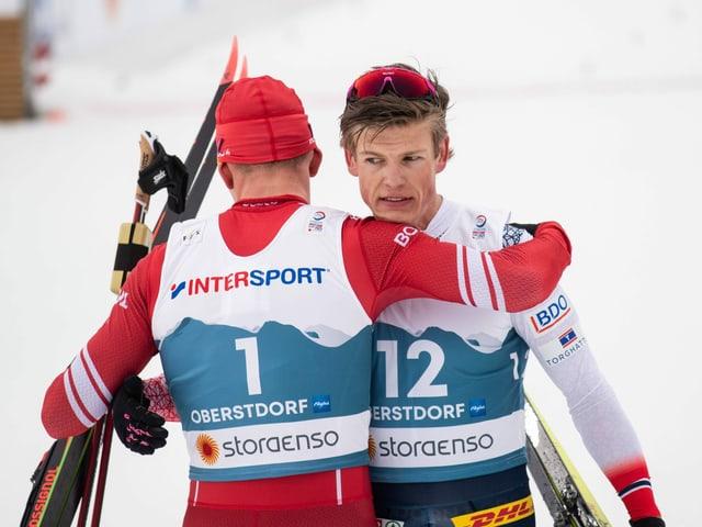 Der Russe Alexander Bolschunow (l.) und der Norweger Johannes Kläbo werden im Engadin im Fokus stehen.