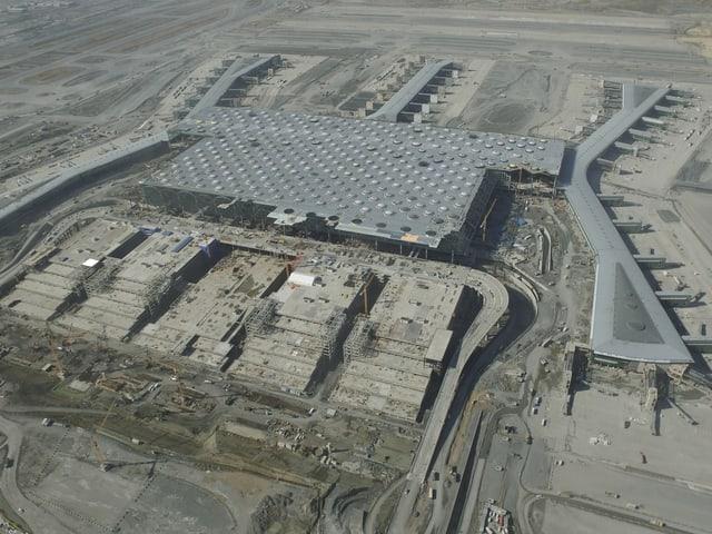 Flugbild neuer Flughafen von oben.
