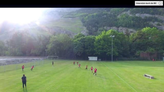 Monitor, Kinder am Fussballspielen