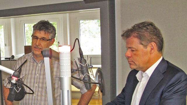 Markus Ming GLP und Dominik Zehnder, FDP im Radiostudio Zentralschweiz von SRF.