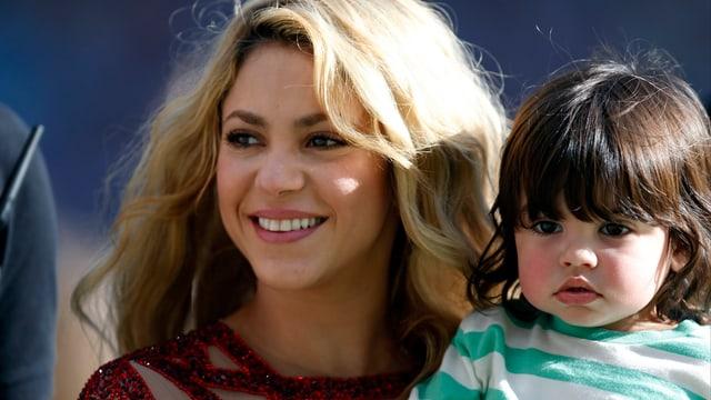 Shakira mit dem zweijährigen Milan.