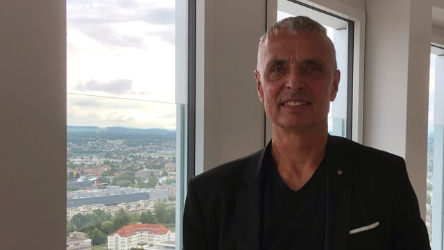 Portrait von JaBee-Architekt Mike Sattler.