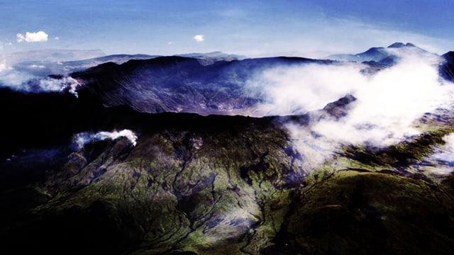 Luftaufnahme des Kraters des Tambora