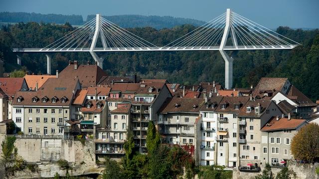 Freiburger Altstadt, Poyabrücke im Hintergrund