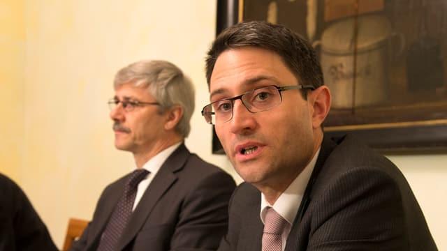 CVP-Grossrat Lukas Engelberger neben Regierungsrat Carlo Conti