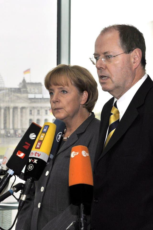 Angela Merkel und Peer Steinbrück am 5.10.2008