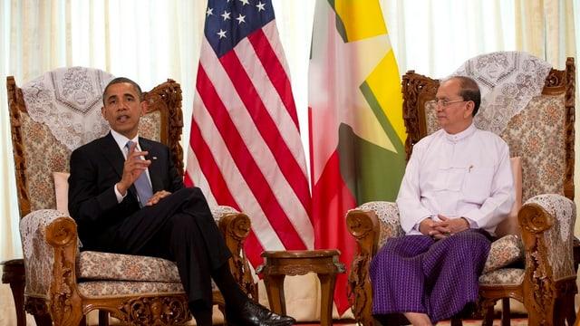 Barack Obama auf einer Sitzung mit Thein Sein