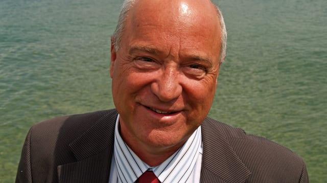 Porträt von Mario Pessina, Organisator der Berner Ferienmesse