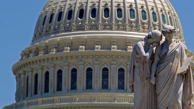 Statuen vor dem US-Capitol.