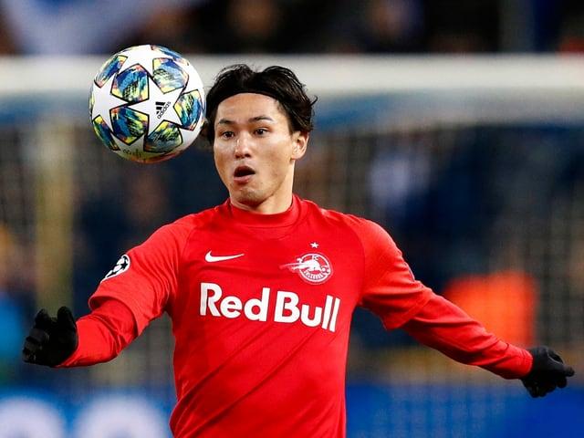 Takumi Minamino spielt künftig für Liverpool.