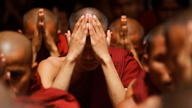 Video «Gewalt im Namen Buddhas» abspielen