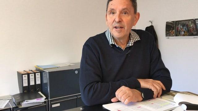 Martin Jäger en ses biro.