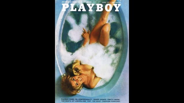 Cover Playboy Magazin mit Frau in Badewanne von oben.