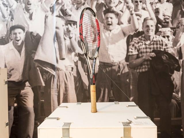 Ein Tennisschläger, den Roger Federer im Finale der Australian Open 2009 benutzt hat.