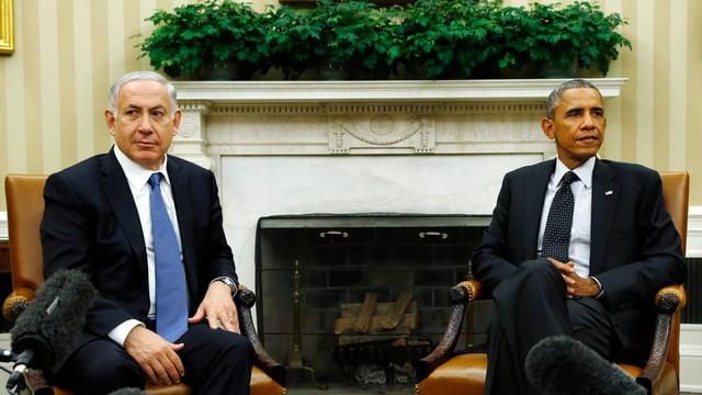 Israels Ministerpräsident Benjamin Netanjahu und US-Präsident Barack Obama sitzen nebeneinander auf Sesseln.
