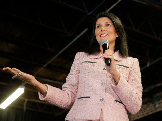 Nikky Haley hält eine Rede während des US-Wahlkampfs.