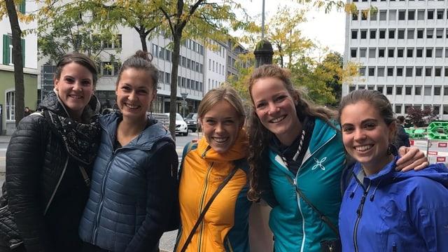 Da sanester: Anna Kostner, Magdalena Pitscheider, Elena Ferdigg,  Eleonora Insam ed Ellen Declara.