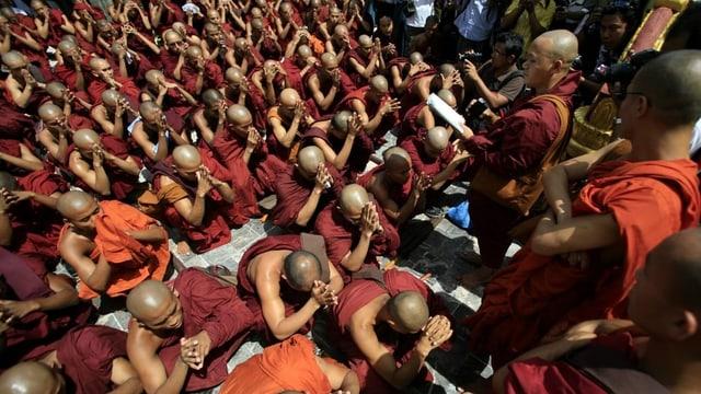 Wie friedlich ist der Buddhismus?