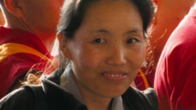 Eine asiatische Frau.