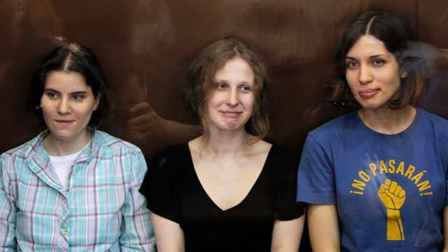 Jekaterina Samuzewitsch, Maria Aljochina und Nadeschda Tolokonnikowa von der Band Pussy Riot.