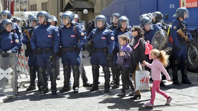 Was hat die Police Bern gut gemacht? Was könnte besser gehen? Der Grosse Rat debattiert die Bilanz zur Einheitspolizei.