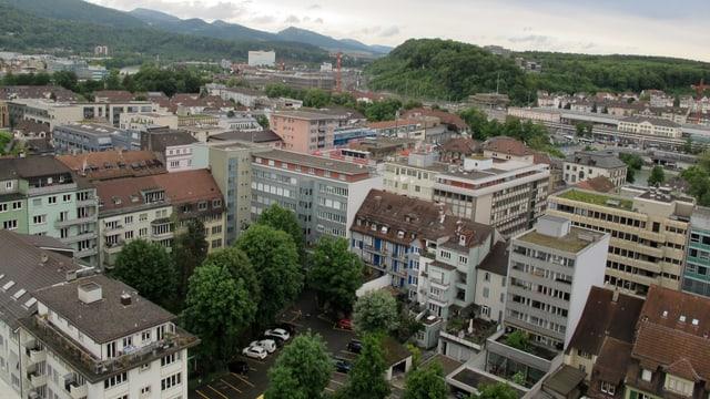 Blick vom Oltner Stadthaus auf den Munzingerplatz und die Stadt von oben.