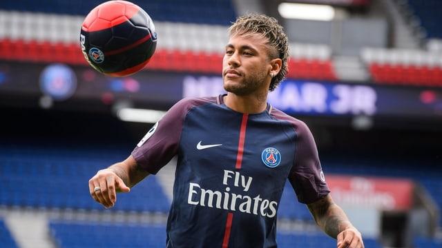 Giugader da ballape Neymar.