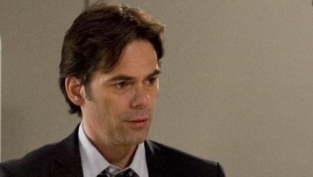 Jordan Bridges spielt Frankie Rizzoli Jr.