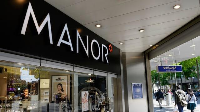 Das Warenhaus Manor an der Bahnhofstrasse