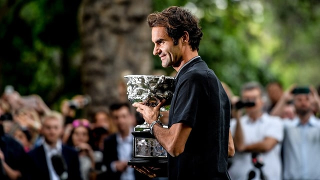 Federer wieder in Top 10